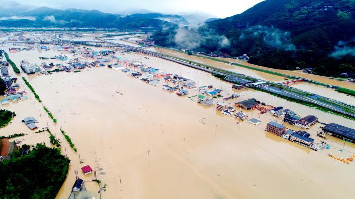 愛媛県内豪雨 肱川氾濫 市街地の...