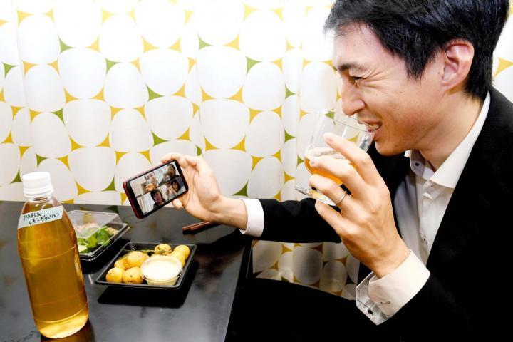 画面越し 友と「乾杯」 「オンライン飲み会」本紙記者ルポ |愛媛新聞ONLINE
