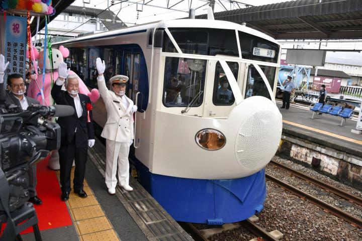 「団子鼻」ホビートレインも節目祝う 100周年記念イベント JR新居浜・伊予西条駅